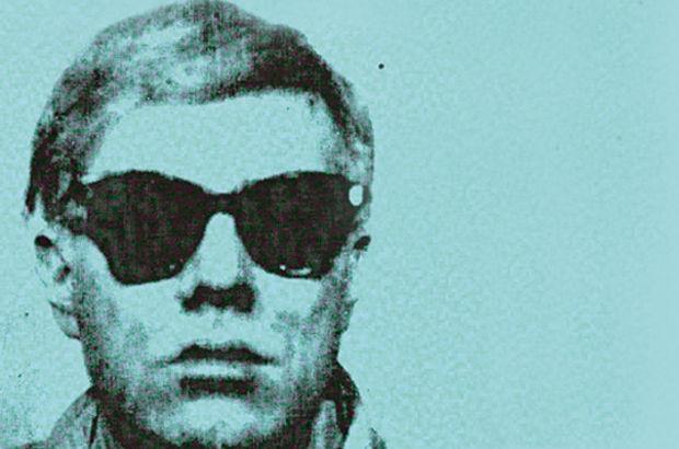 """Andy Warhol'un """"ilk selfie""""si açık artırmaya çıkıyor"""