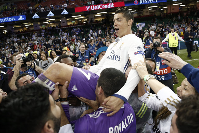 Cristiano Ronaldo Real Madrid'den ayrılıyor iddiası ortalığı karıştırdı