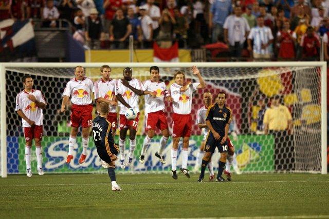 Futbol oyun kurallarında sıra dışı değişiklikler gündemde
