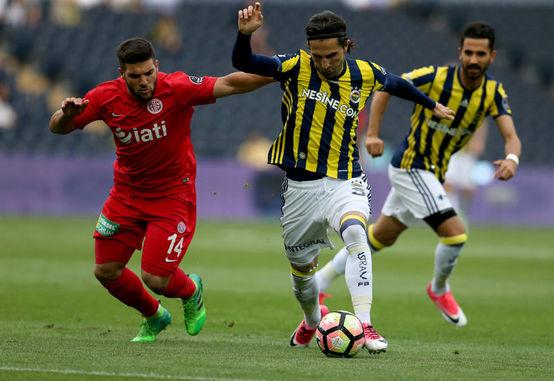 Fenerbahçe Hasan Ali Kaldırım'la sözleşme uzattı