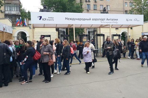 Ruslar yağmur dinlemedi Türkiye Festivali'ne koştu