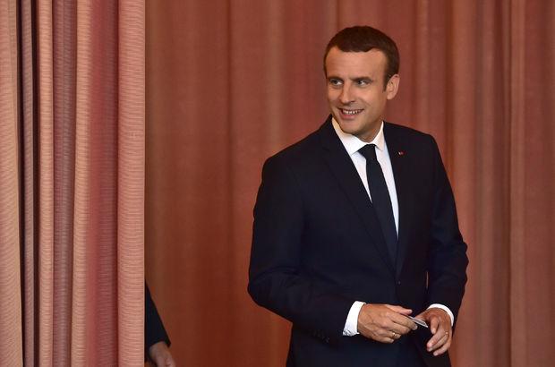 Fransa'da Macron'un partisi zaferini resmi olarak ilan etmek üzere!