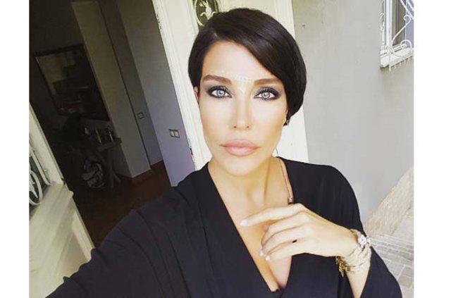 Deniz Akkaya ile Gökmen Şeynova aşk yaşıyor