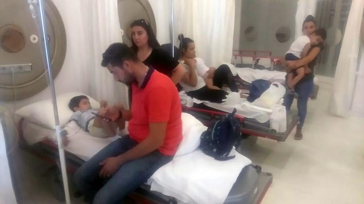 Aydın Kuşaadası'nda bir anaokulunda 56 çocuk yedikleri yemekten zehirlendi.