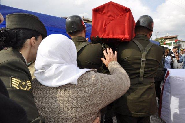 Uludağ'da 'Garip'i kurtaran askerin şehit Ahmet Erol olduğu ortaya çıktı