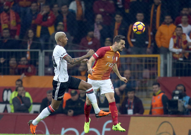 Bafetimbi Gomis Galatasaray'a transferini açıkladı!