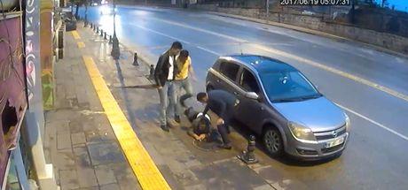 Ankara'da sokak ortasında dehşet saçtılar!