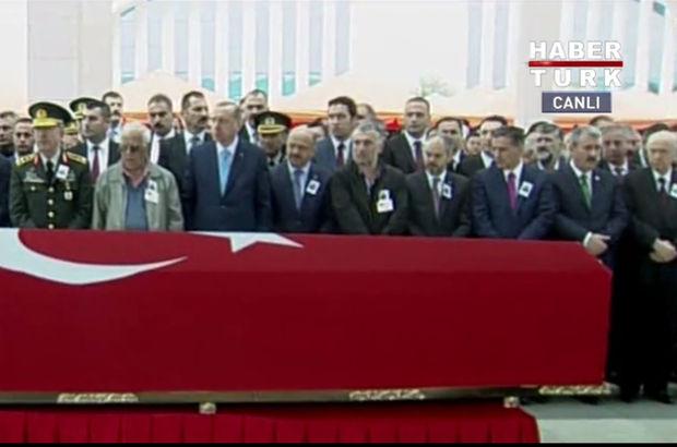 Şehit Yüzbaşı Murat Üçöz'e son görev