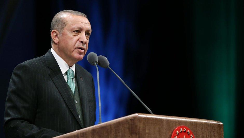 Diyanet İşleri Başkanı eleştirdi, Erdoğan ödül verdi