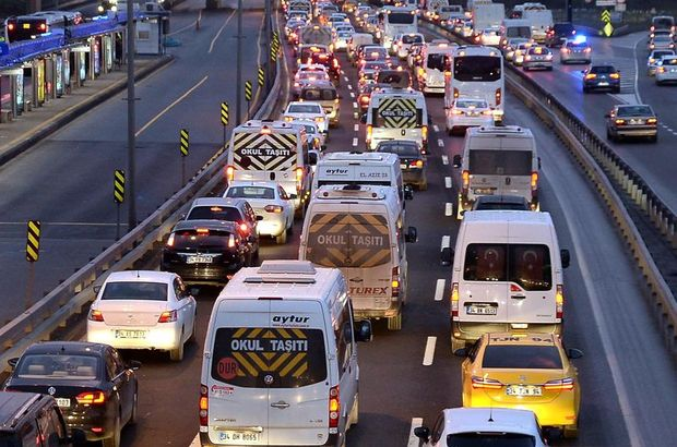 Bayram tatilinde trafiğe çıkacak sürücülere uyarı