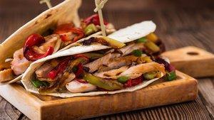 Tavuk fajita nasıl yapılır? Tavuk fajita tarifi ve malzemeleri...