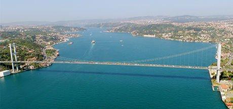 İstanbul Boğazı 4 ile 27 metre arasında daraldı