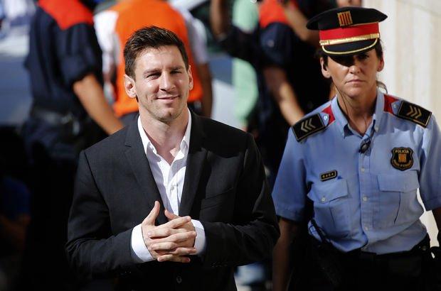 Messi'nin cezası belli oldu!