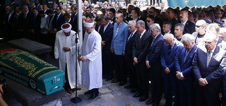 Bakan Mehmet Özhaseki'nin annesi Şükran Özhaseki son yolculuğuna uğurlandı