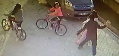 Samsun'da bir kişi 9 yaşındaki kızın başına parke taşıyla vurup kaçtı