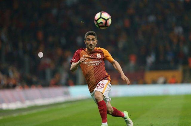 Galatasaray transfer haberleri - Galatasaray'da sağ bek için son aday Romario Benzar