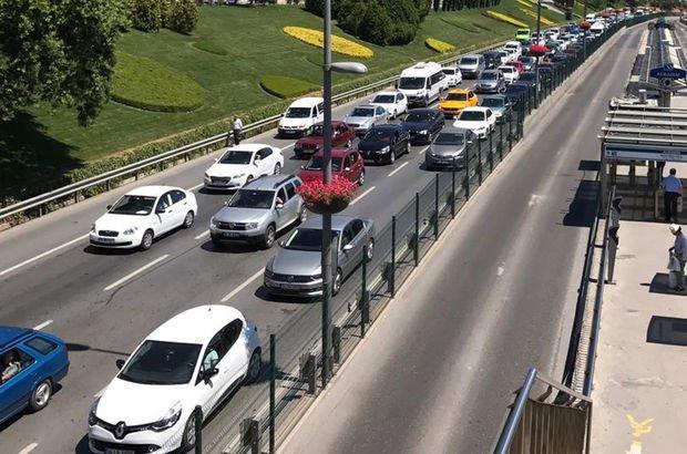 İstanbul'da E-5 karayolu ve TEM otoyolunda bayram trafiği