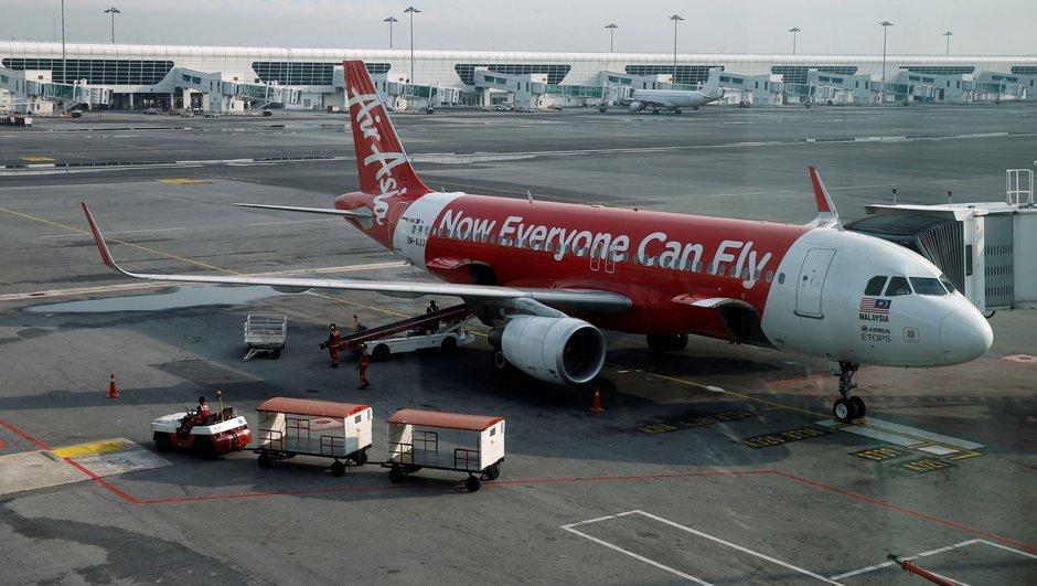 Havada panik! Pilottan yolculara: Lütfen dua edin