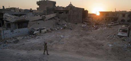 Irak ordusu Musul'da DEAŞ'a büyük darbe vurdu