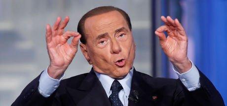 Berlusconi: Geri döndüm!