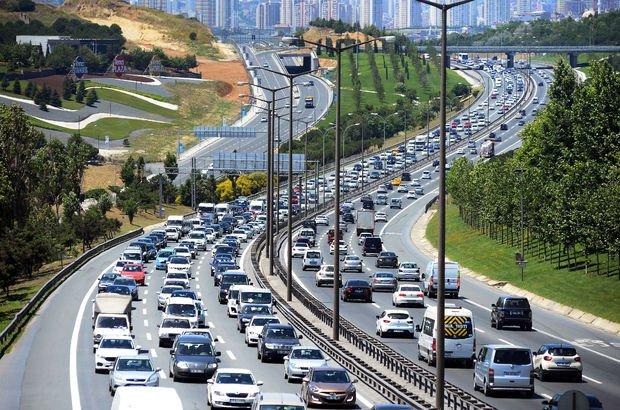 Bayram tatili geldi, İstanbul'un 3 noktasında trafik çilesi bitmedi