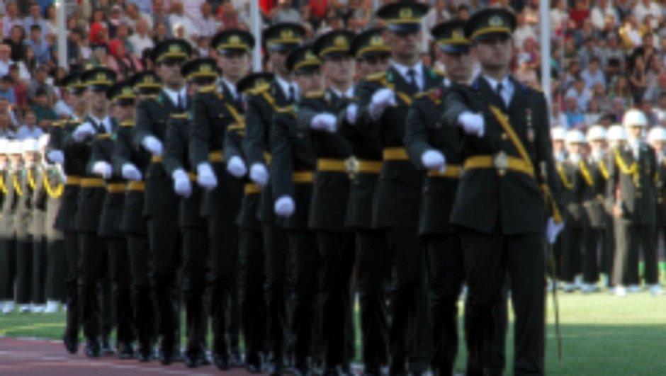 TSK'da FETÖ'cü taraması! Binlerce askere inceleme!