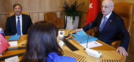 TBMM Başkanı İsmail Kahraman: Saçınız kendinizin mi?