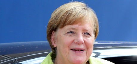Merkel'den eşcinsel evliliğe destek