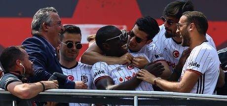 Beşiktaş'ta takımdan ayrılacak isimler belli oldu