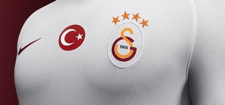 Galatasaray Gomis'i açıkladı!