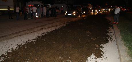 Düzce'de Kemal Kılıçdaroğlu'nun konakladığı alana kamyonla gübre döküldü