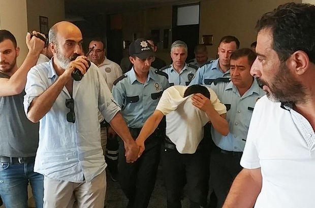 Konya'da bir kişi belediye binasında kırık şişeyi boğazına dayayıp eylem yaptı