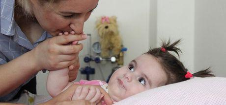 SMA hastası Duru bebek, 2 milyon TL için yardım bekliyor!