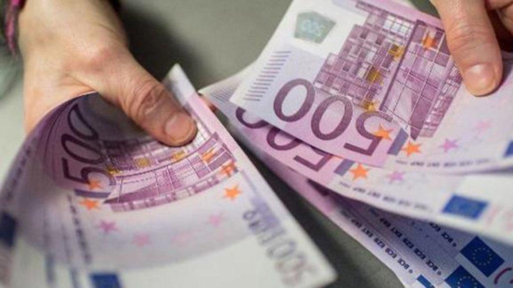 Bankalarda 500 euro bozdurma karmaşası