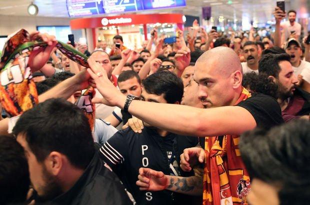 Galatasaray Maicon'u açıkladı!
