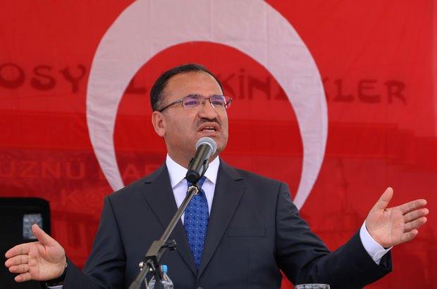 Adalet Bakanı Bekir Bozdağ: Darbe davalarının duruşmalarına katılan bir tek CHP'li yok