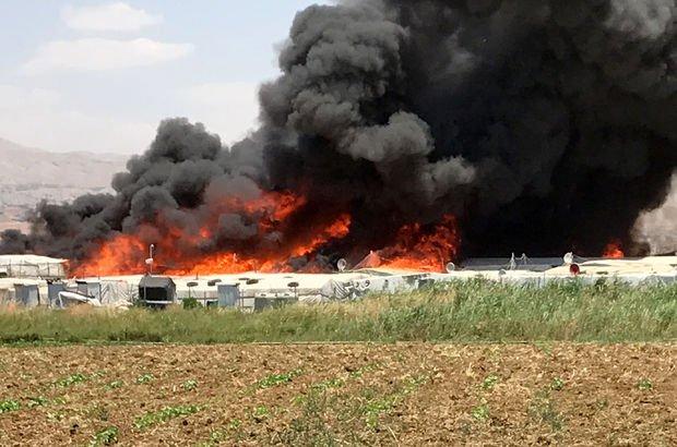 Lübnan'da Suriyeli mültecilerin kampında yangın: 4 ölü