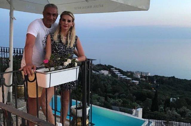 Esra Erol ile Aliz Öbir evlilik yıldönümlerini kutladı