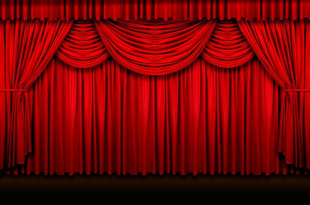 45 yıllık tiyatro salonu sahip çıkılmayı bekliyor!