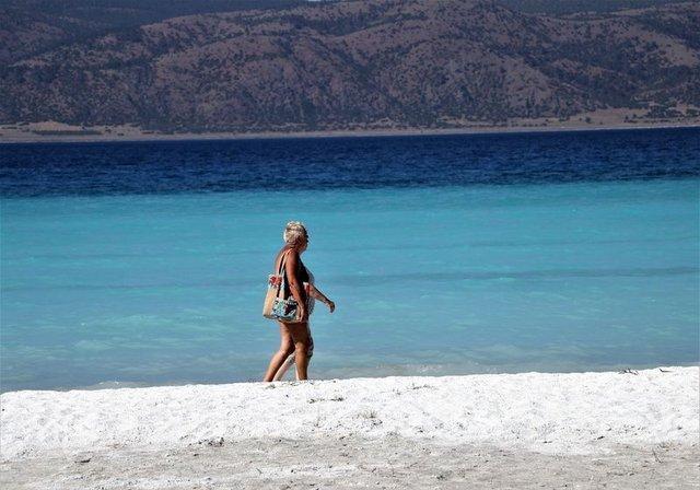 """""""Türkiye'nin Maldivleri"""" Salda Gölü, turistlerin yeni gözdesi"""
