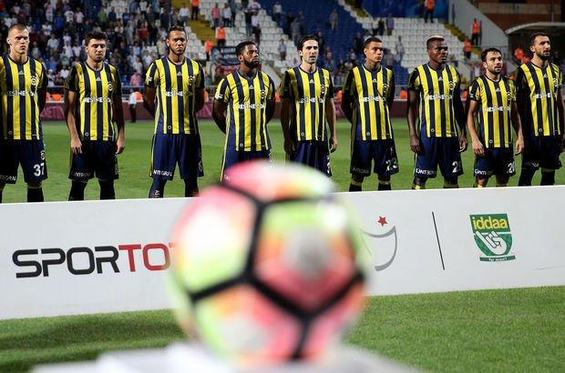 Fenerbahçe'de ayrılık! Menajeri duyurdu...