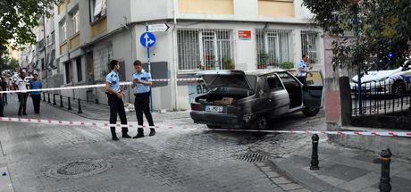 Kadıköy'de darbedilen çiftin araçlarını ateşe verdiler