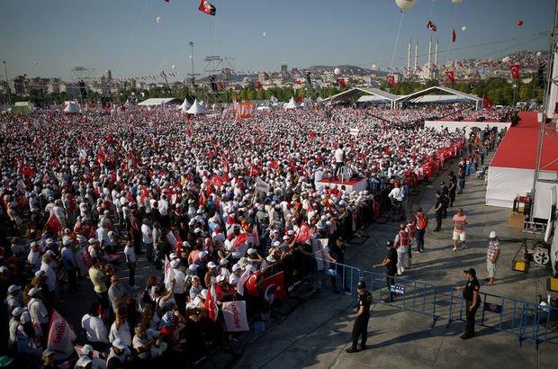 CHP'den İstanbul Valiliği'nin açıkladığı mitinge katılım rakamına tepki