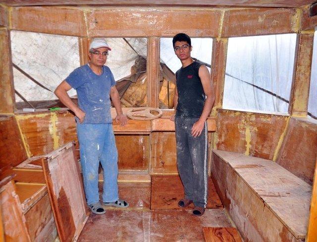 Bitlis'te 10 yıl uğraşıp tekne yapan baba-oğul