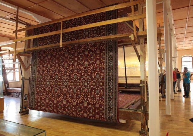 52 metrekarelik Hereke halısı tezgahtan indirildi