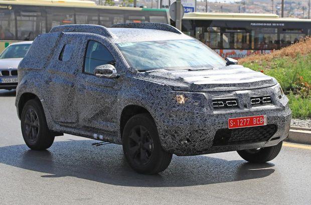Dacia Duster'ın yeni modeli kamuflajla yakalandı