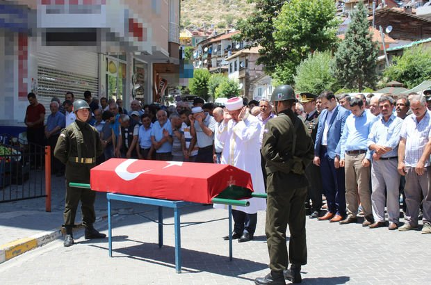 Karaman'da askeri törenle defnedilen gazi Orhan Şimşek'in KKKA hastalığıyla öldüğü belirlendi