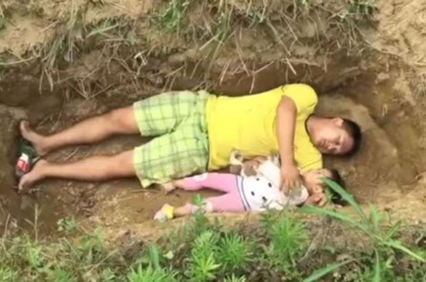 Çinli baba Zhang Liyong, ölüme hazırlamak için kızını her gün mezara götürüyor