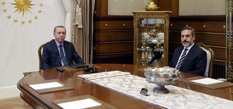 Cumhurbaşkanı Recep Tayyip Erdoğan, Hakan Fidan'ı makamında kabul etti