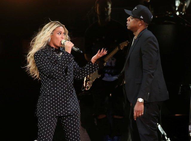 Beyonce bebeklerinin fotoğrafını ilk kez paylaştı